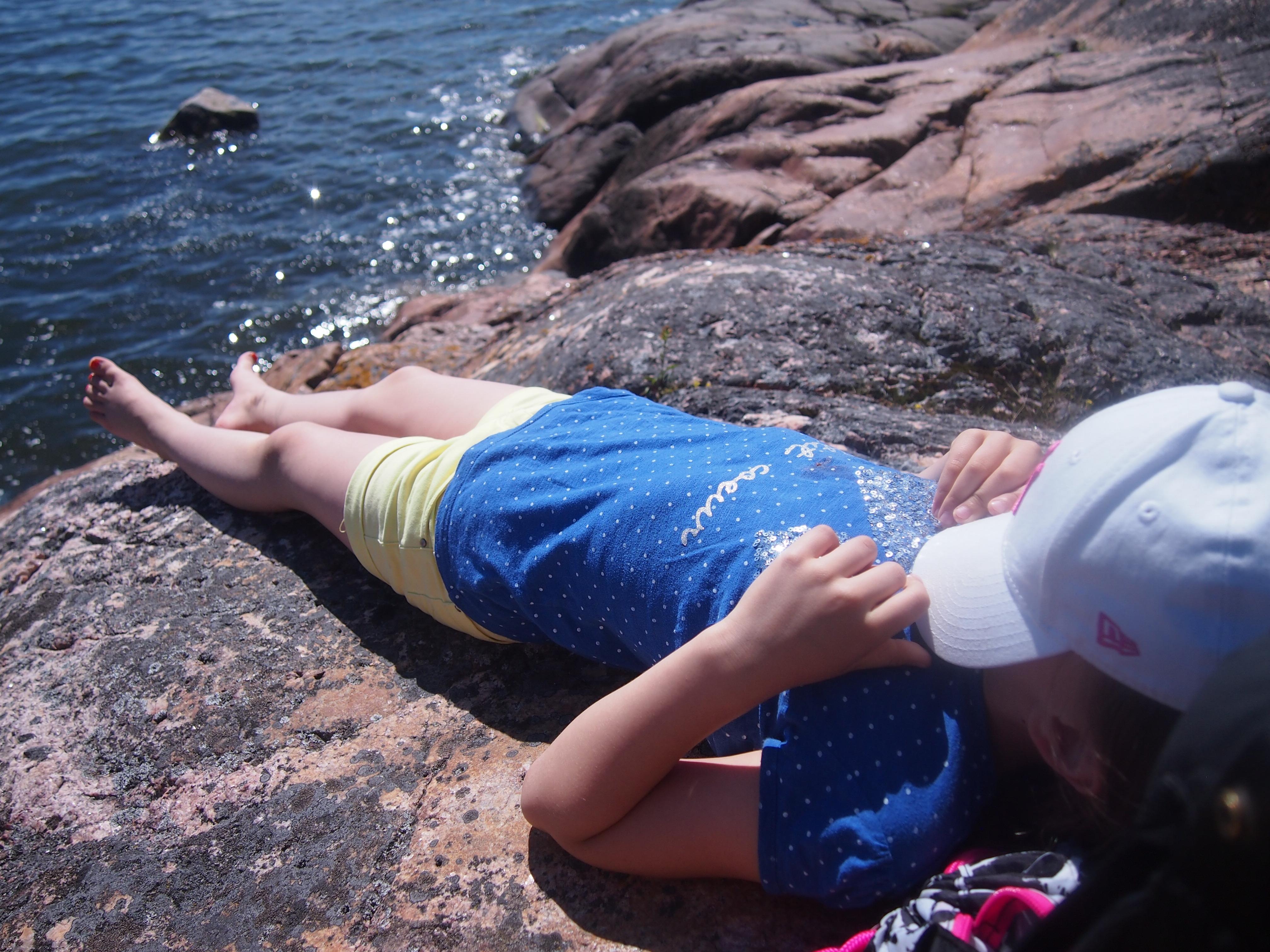 laiskana kalliolla