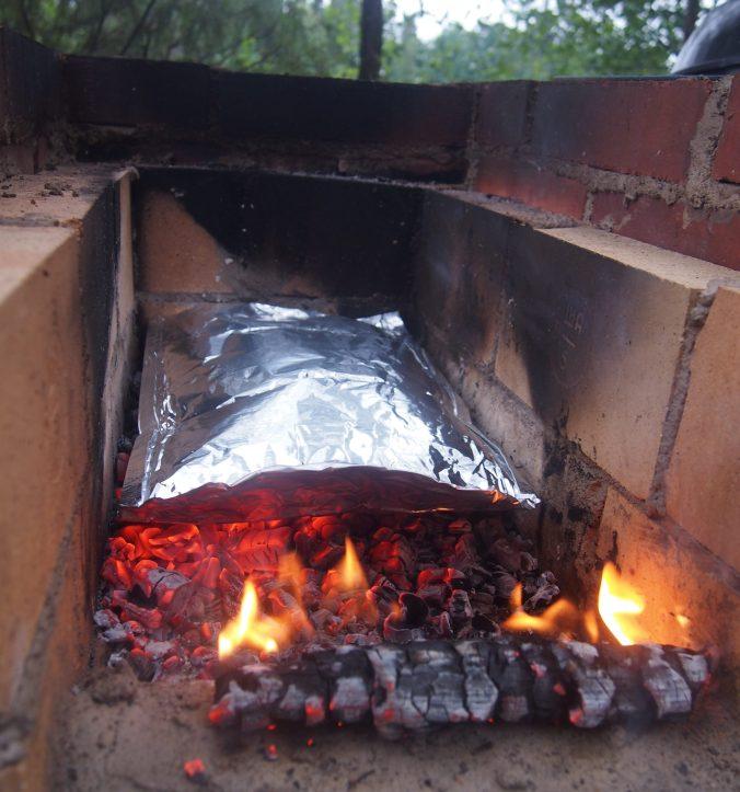 savustuspussi grillissä