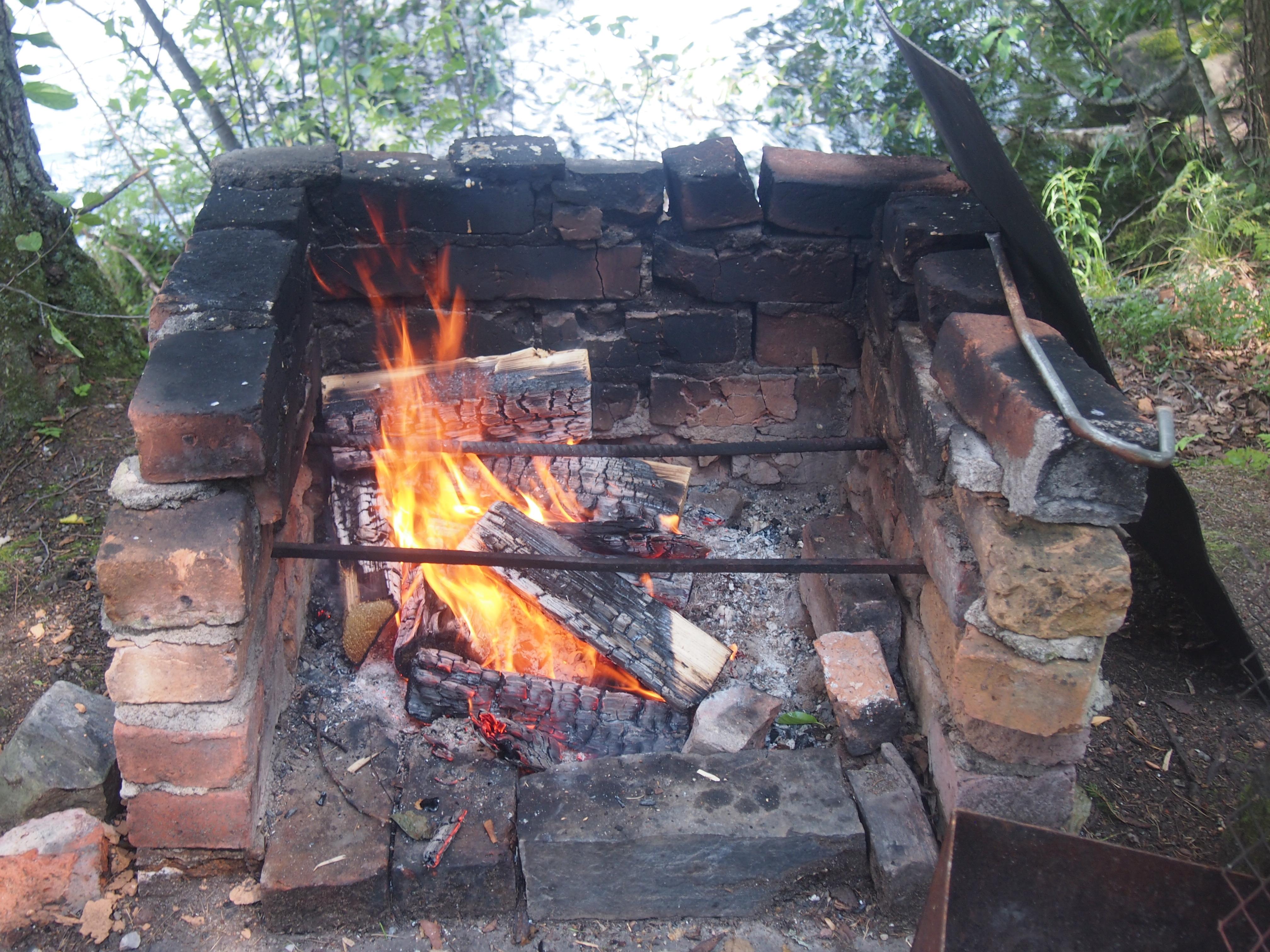 avotuli grillissä