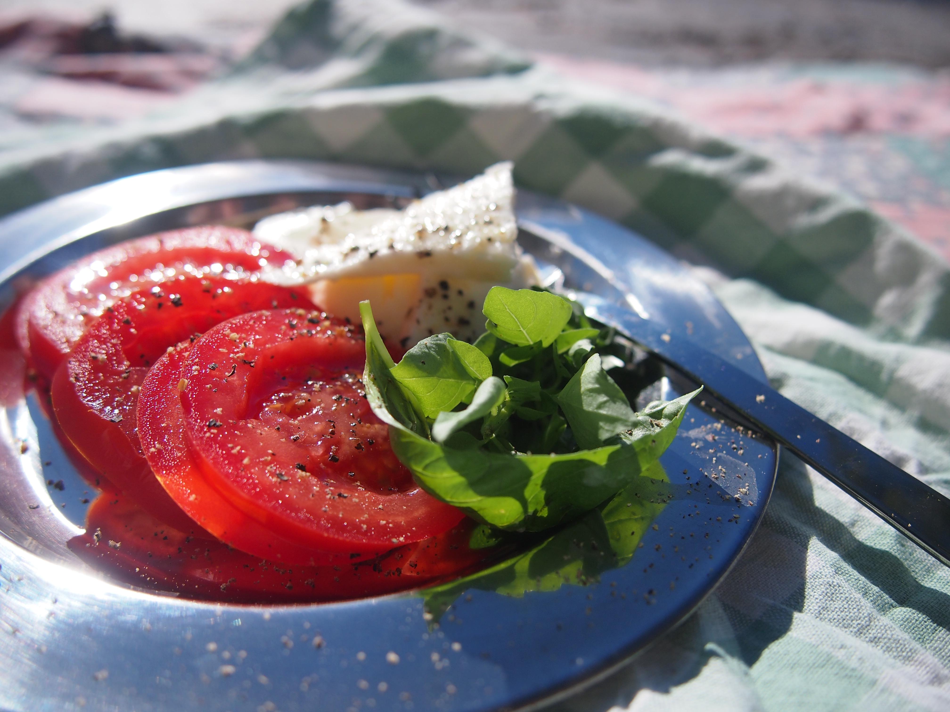tomaattisalaatti