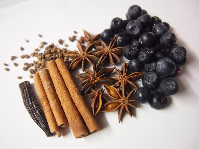 mustikkaglögin mausteet