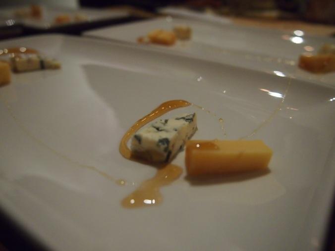 juustoja ja hunajaa