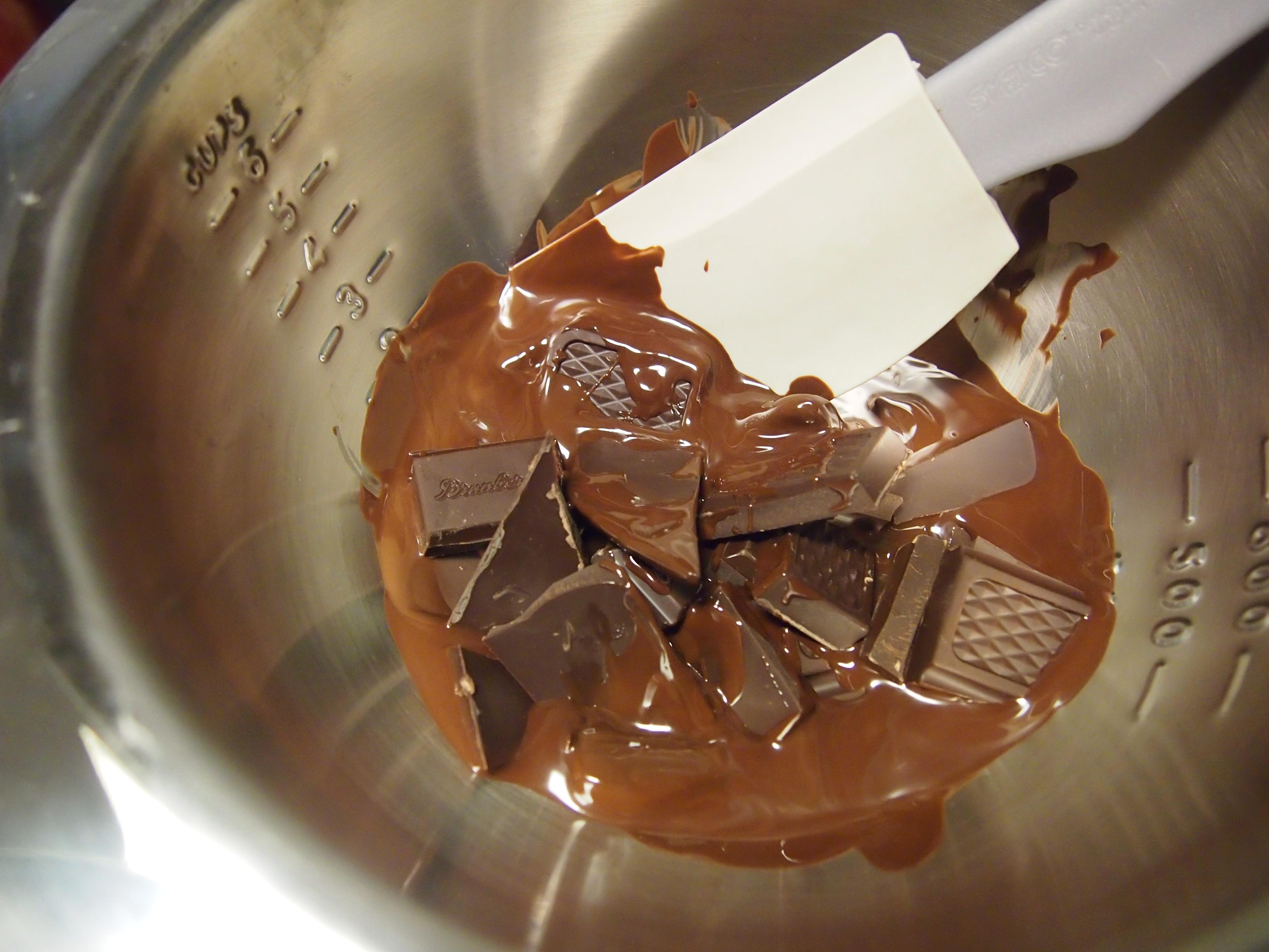 suklaa vesihauteessa