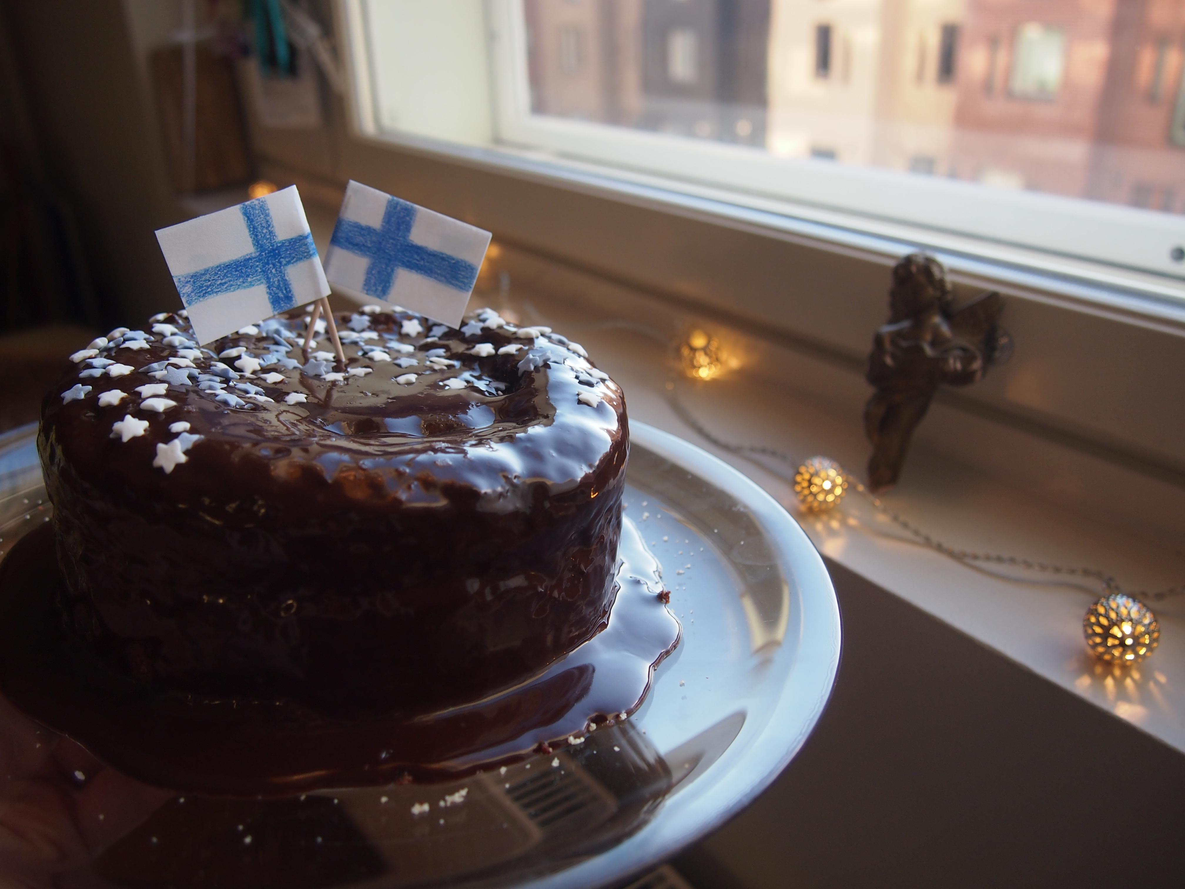 kuorrutettu kakku